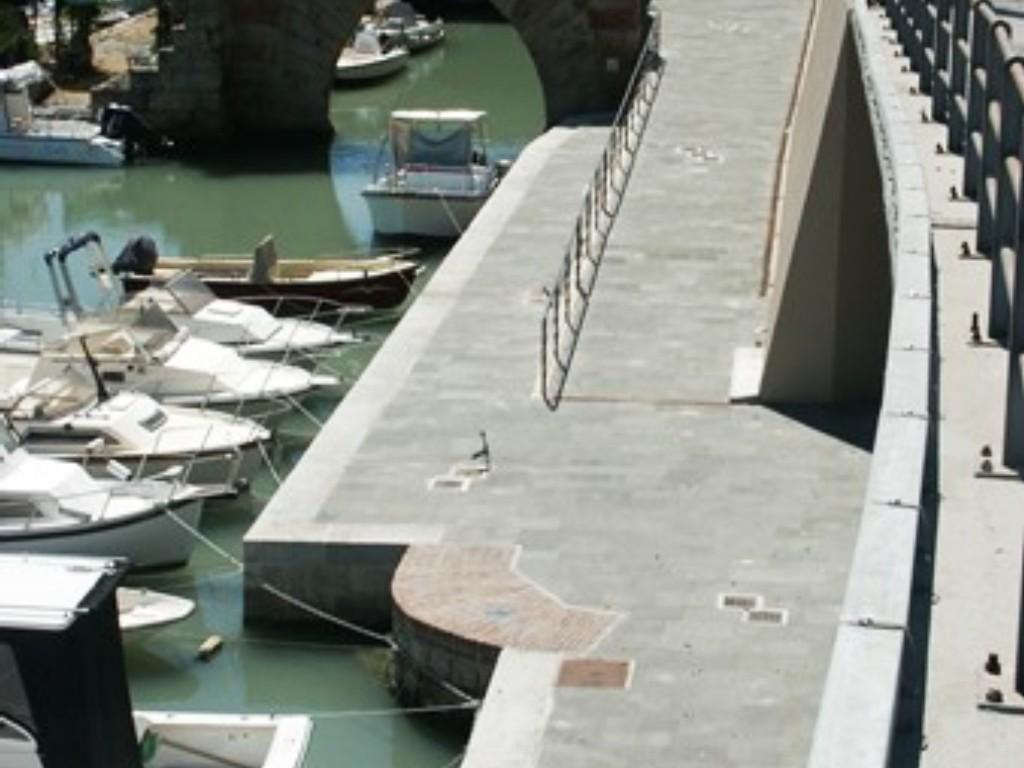 Livorno banchina dogana