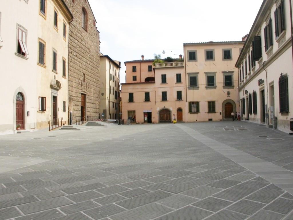 Lastrico Pistoia Piazza Spirito Santo