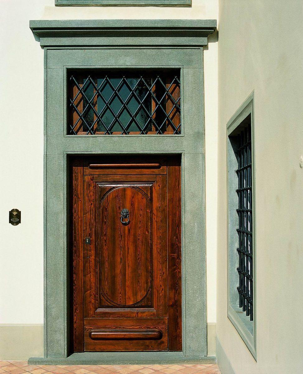 Cornici in pietra ecco come valorizzare la facciata frosini pietre - Cornici finestre in pietra ...