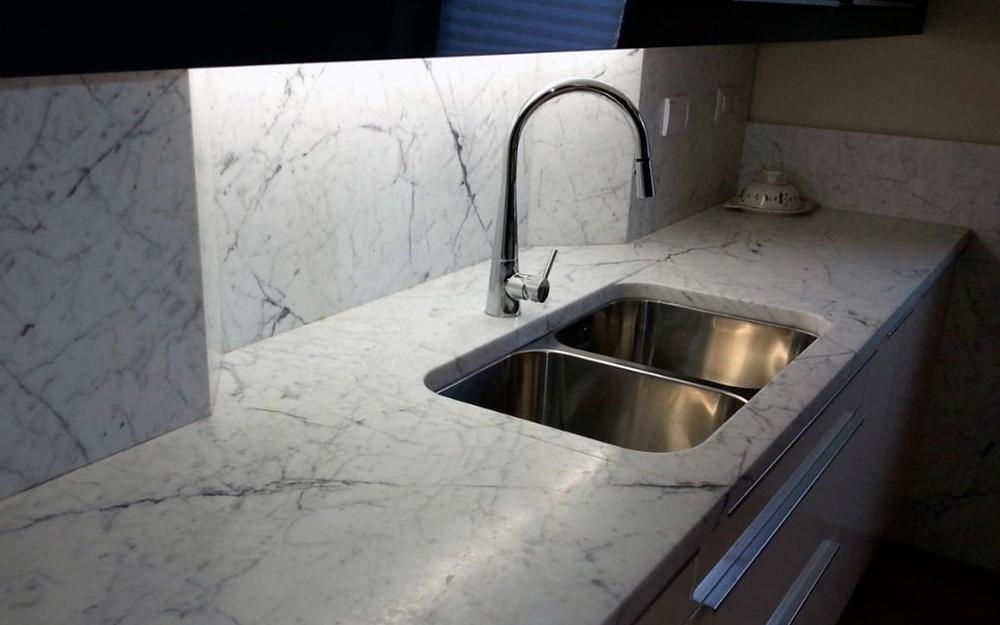 Top Per Cucina In Marmo.Piano Cucina Di Marmo Bianco Di Carrara Frosini Pietre