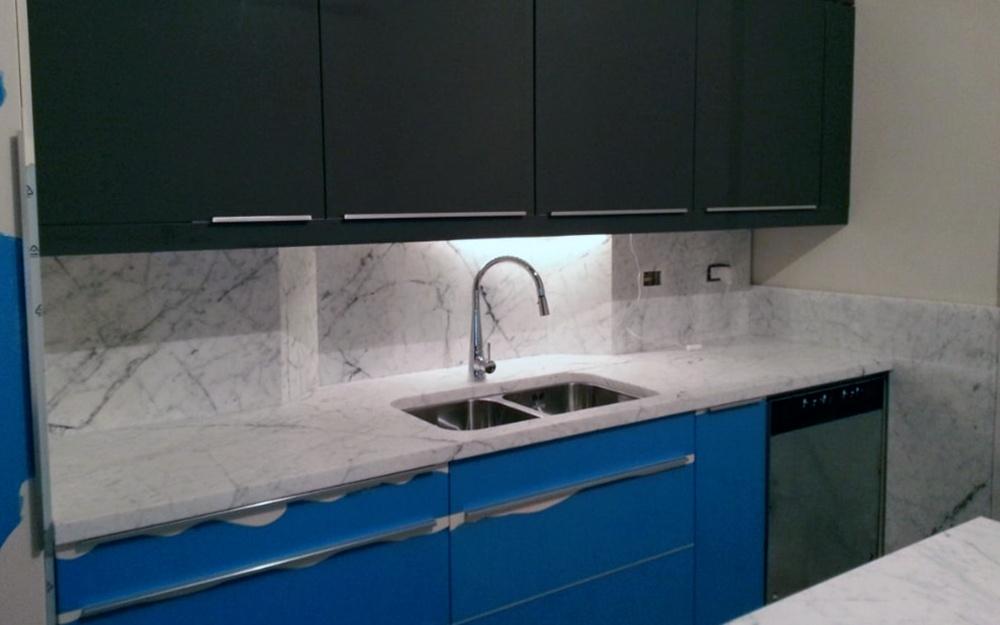 Piano cucina di Marmo Bianco di Carrara | Frosini Pietre