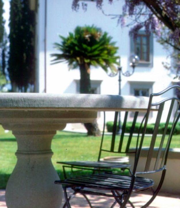 tavoli e piedistalli